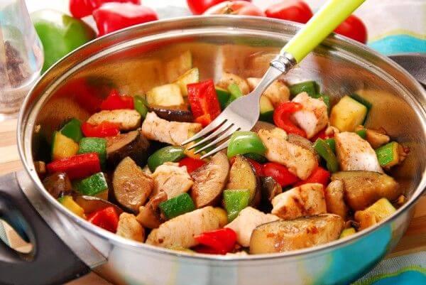 Рататуй с курицей и овощами на Новый год